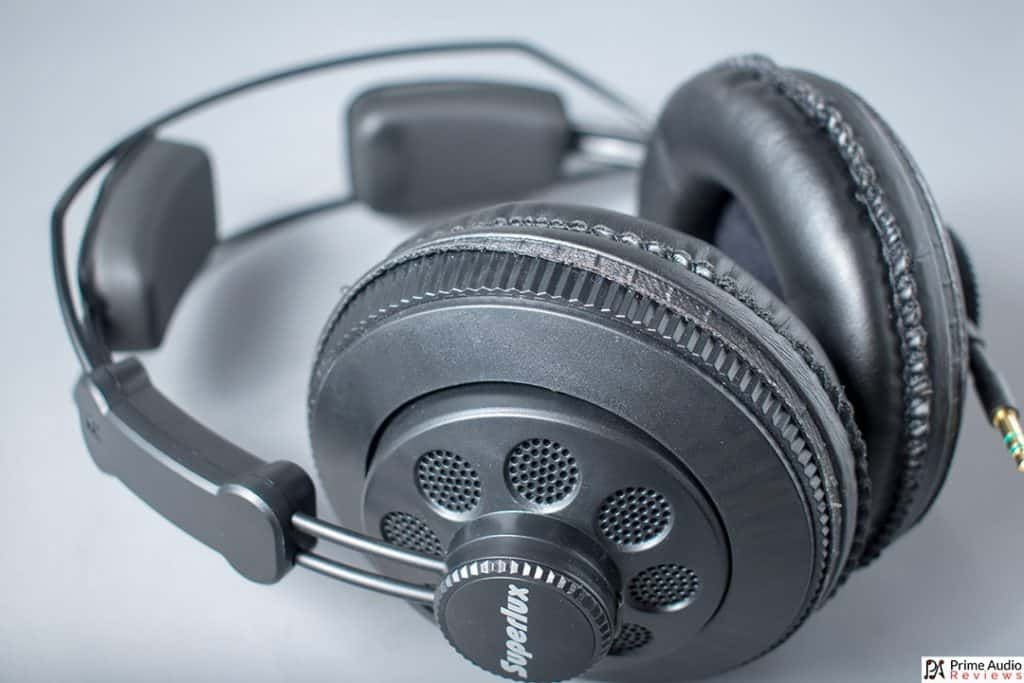 Superlux HD668B side view