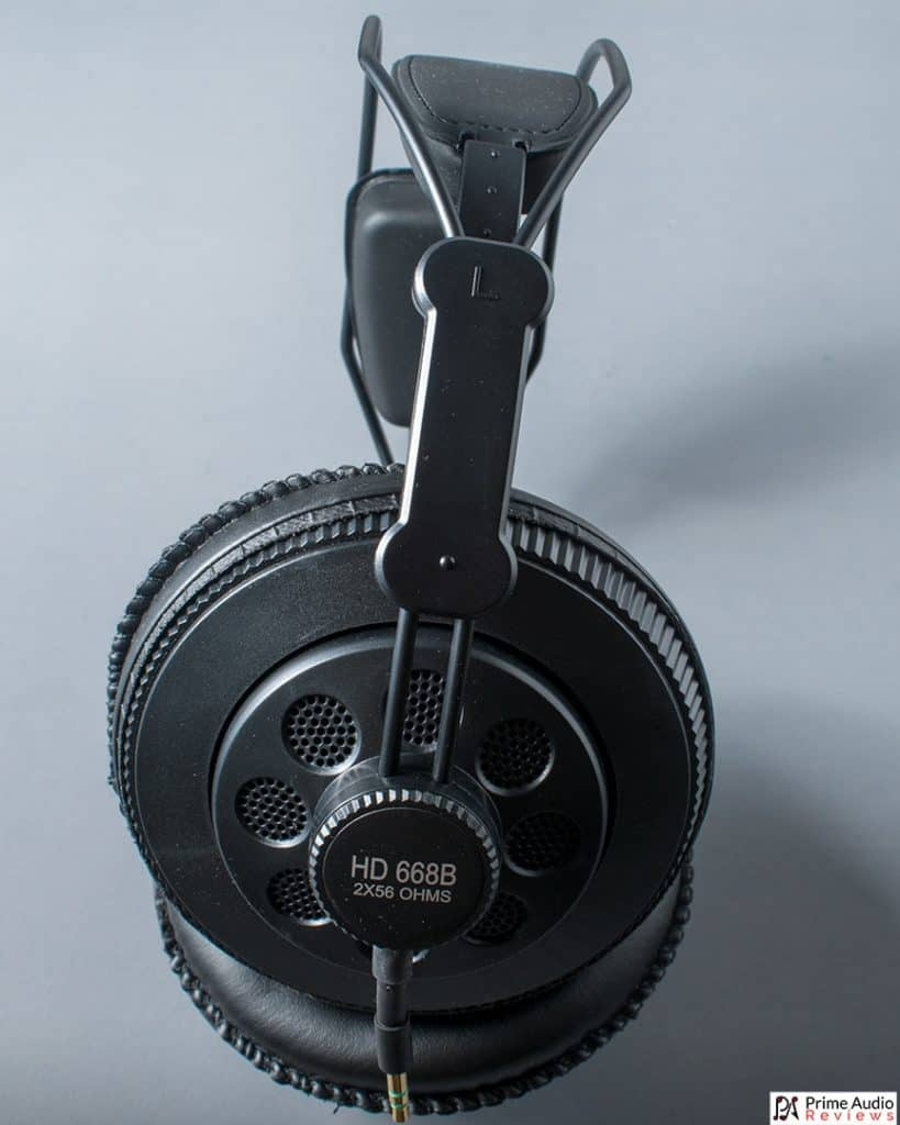 Superlux HD668B portrait