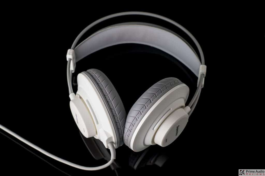 Superlux HD672 full view