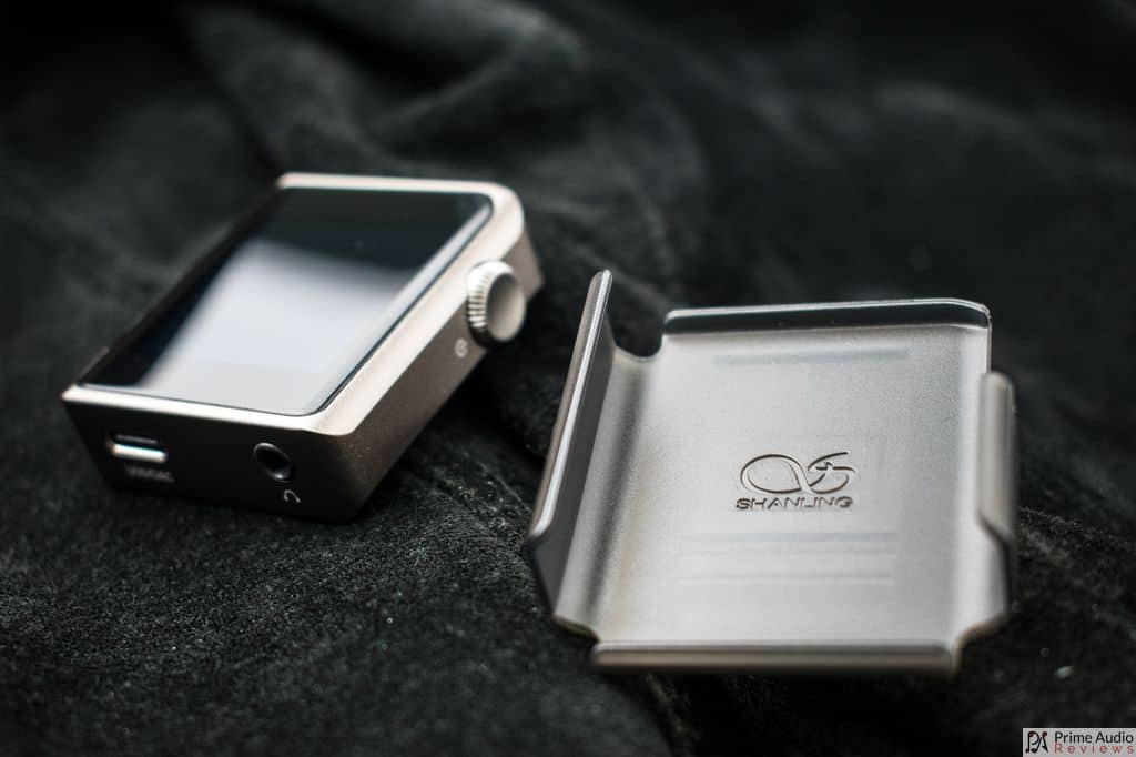 Shanling M0 with clip case