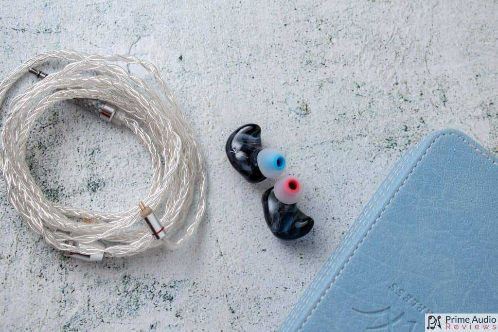 Fearless Crystal Pearl earpieces with cable and case