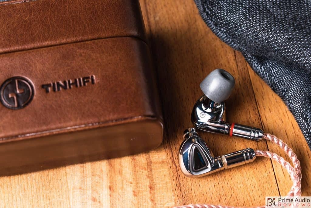 Tin Hifi P1 with carrying case