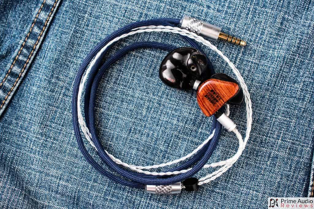 Yuki cable with FIBAE Black IEM