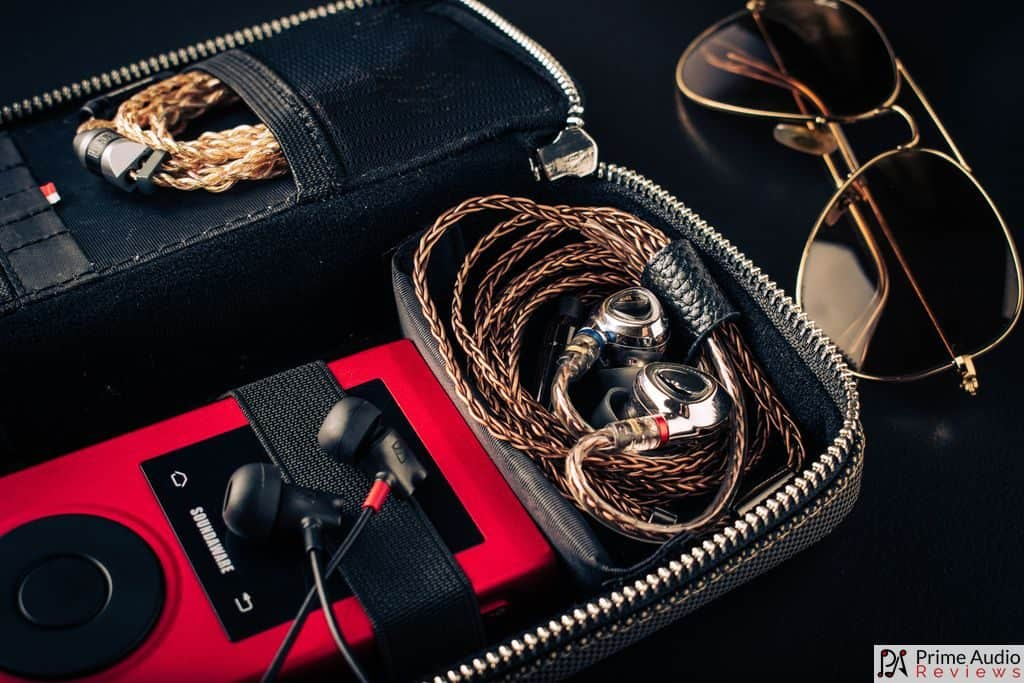 Case with Soundaware DAP and earphones