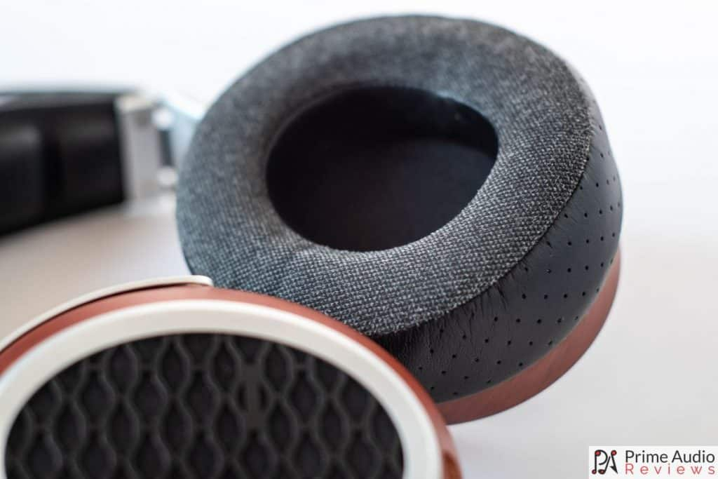 Fabric cover on the front of the hybrid earpdas