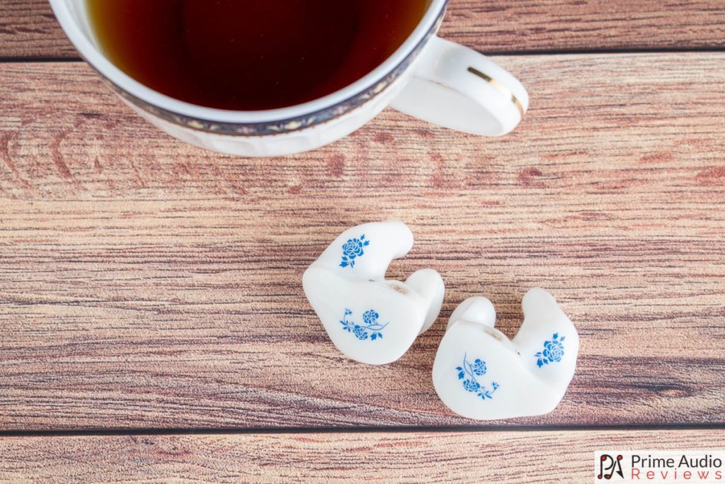 Thieaudio Legacy 3 white China porcelain design with teacup