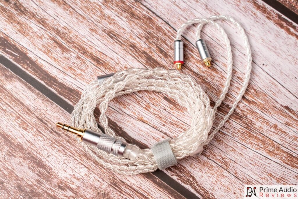 Included high-quality SPC cable