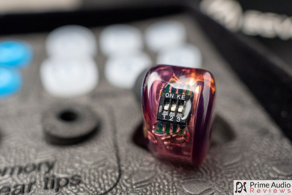 Detailed view of the BGVP ArtMagic VG4 tuning switches